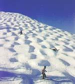 Jestli si chcete pořádně zalyžovat, neváhejte jet v lednu do švýcarských Alp.