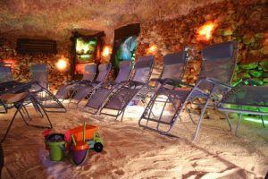 Dětský koutek je v některých jeskyních samozřejmost