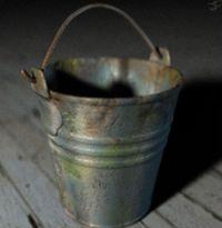 Nezapomeňte na kbelík s vodou