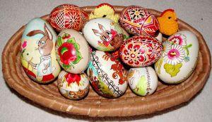 Kraslice k Velikonocům patří