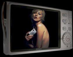 Kate Moss v reklamě na digitální kameru