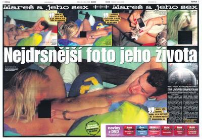 Dvojstrana deníku Blesk, který přinesl inkriminující fotografie.