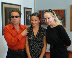 Jan, jeho dcera a Bára Basiková