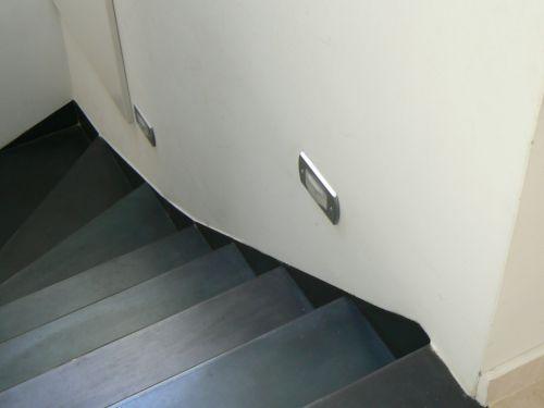 Plechové schody.