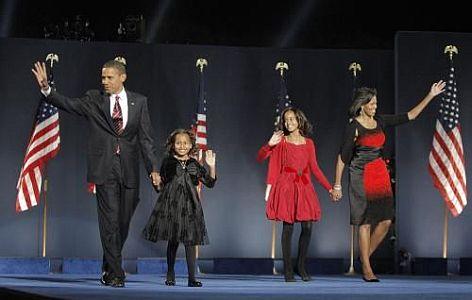 Vítěz voleb Barack Obama s rodinou