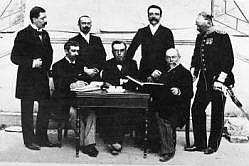 Olympijský výbor. Guth-Jarkovský sedí vpravo