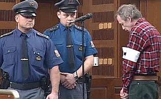 Vrah Antonín Novák před soudem