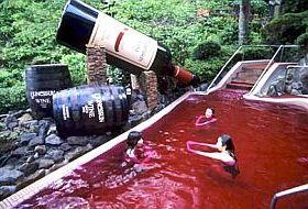 Koupel v červeném víně...
