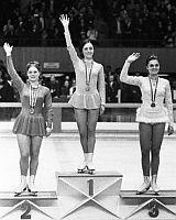Hana Mašková třetí na zimní olympiádě v Grenoblu - vpravo