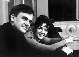 Kundera s manželkou