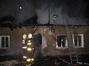 Požár po žhářském útoku ve Vítkově na Opavsku