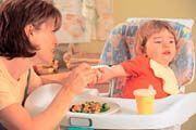 Naučit dítě správné životosprávě není někdy snadné.