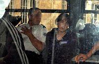 Véronique Courjaultovou vezou k soudu v Tours