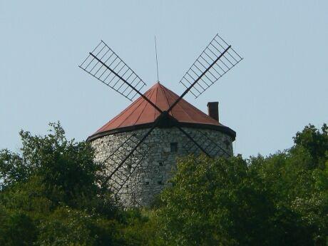 Vetrny mlyn