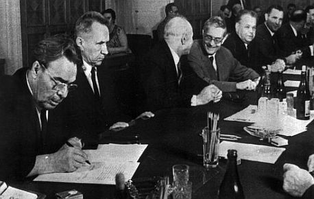 O osudu Československa se rozhodovalo v Moskvě