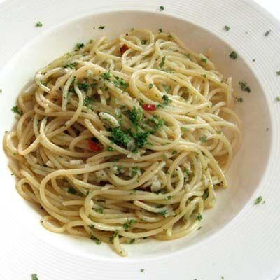 špagety s česnekem