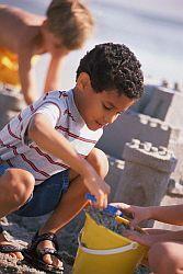 Na písku hrozí dítěti nákaza
