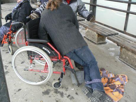 pád z vozíčku