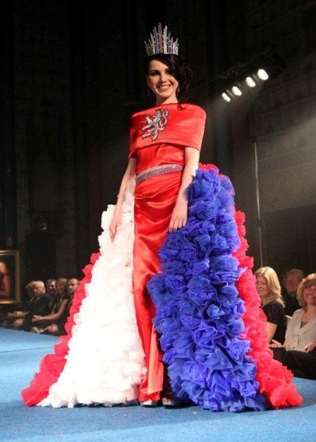 Národní šaty