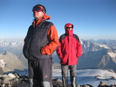 Členové TKPKL Víťa a Standa na Pastuchovývh skálách, před výstupem na Elbrus 5 642m.n.m