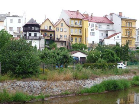 Pohled přes řeku