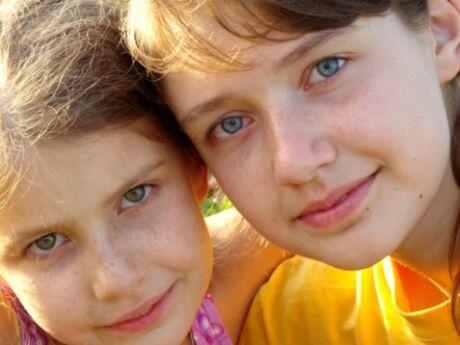 sestry ilustrační foto