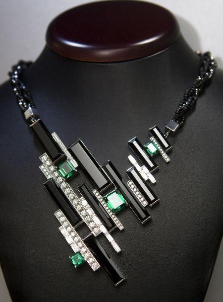 Klávesy-náhrdelník