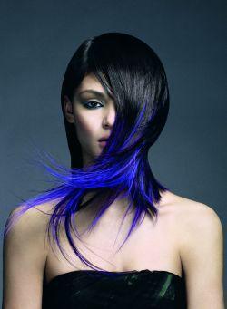 modré konce vlasů