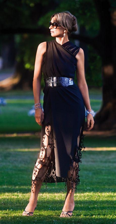 Malé černé šaty jsou sázkou na jistotu a představují nadčasovou klasiku.  Hodí se pro bezpočet příležitostí 19d0c741005