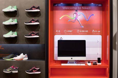 db9482c4fd6 Další informace o novém obchodu Nike Prague a plánovaných aktivitách  najdete na webových stránkách  www.nikeprague.cz.
