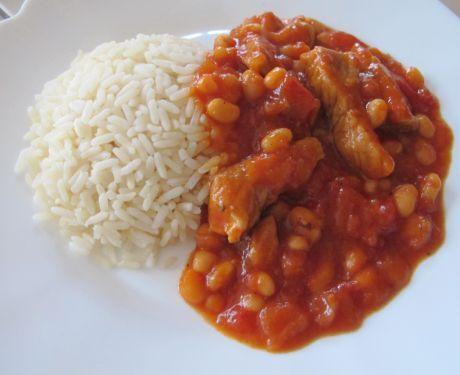 vepřové maso s fazolemi