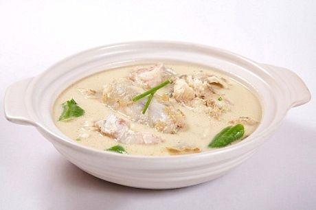 rybí polévka s cuketou
