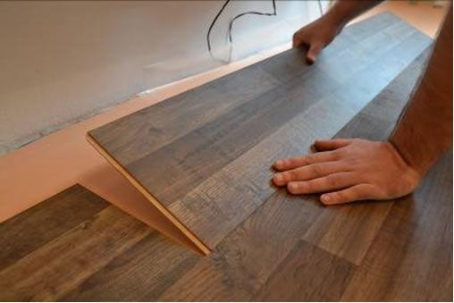 u017dENA IN Jak vybrat plovoucí podlahu