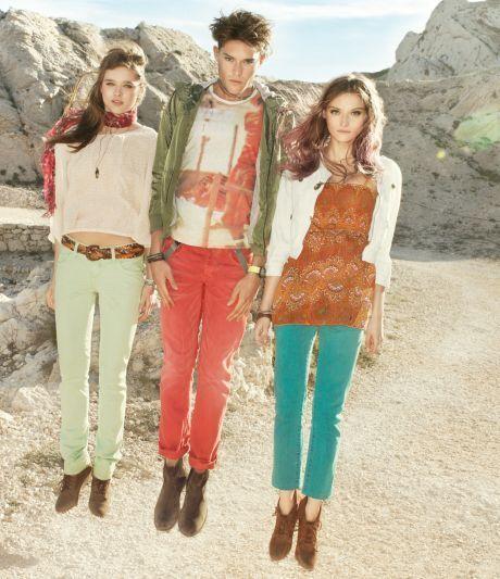 Úzké barevné jeansy značky s. Oliwer sluší nejvíc mladým
