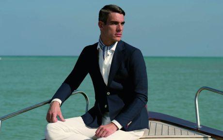 Modré lněné, košile s vázankou sako a bílé kalhoty