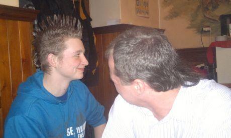 Účesy: otec a syn