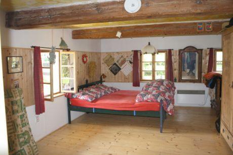 ložnice před