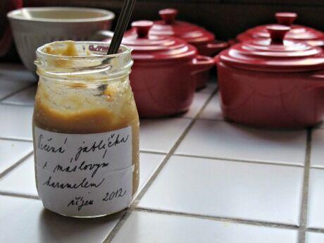 pečená jablíčka s máslovým karamelem