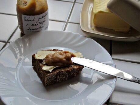 pečená jablka s máslovým karamelem