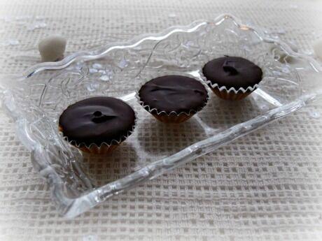 čokoládovo arašídové košíčky Nigelly Lawson