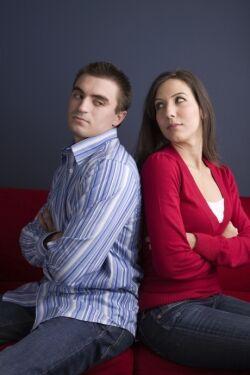 Randění s chlapem, který vydělává méně peněz než vy