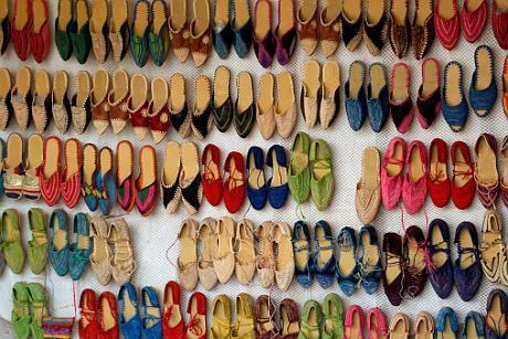 """Nošení nekvalitních bot totiž může mít trvalé následky na lidské zdraví.  """"Pokud se noha musí přizpůsobovat nevhodně sériově vyráběné obuvi bab0c22dbe"""