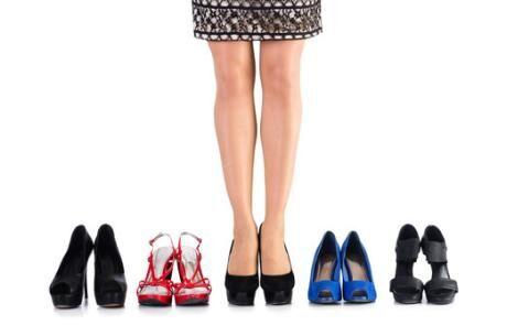 ŽENA-IN - Jaká obuv by neměla chybět v dámském botníku  77052f8201