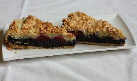 božský makový koláč se švestkami