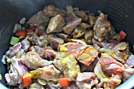 hovězí maso s fazolemi