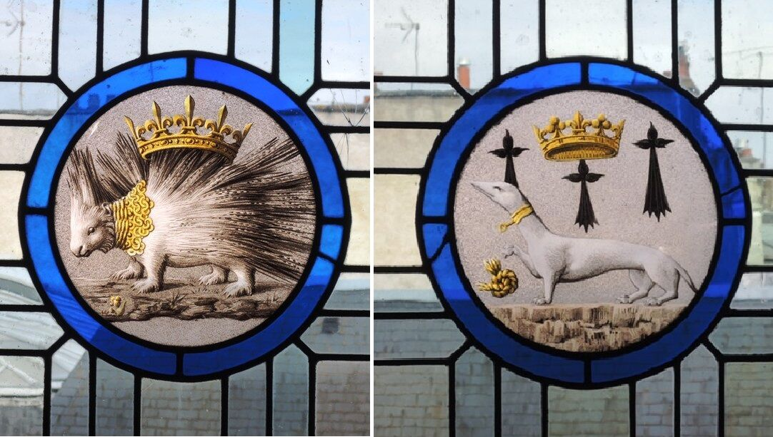 Blois-erbovní zvířata ve vitrážích