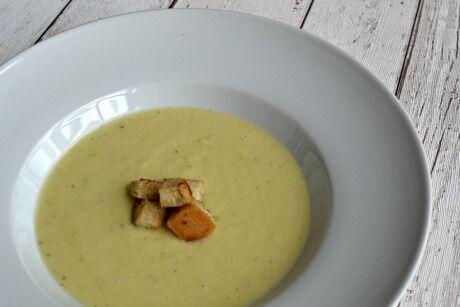 Bramborová polévka s pórkem