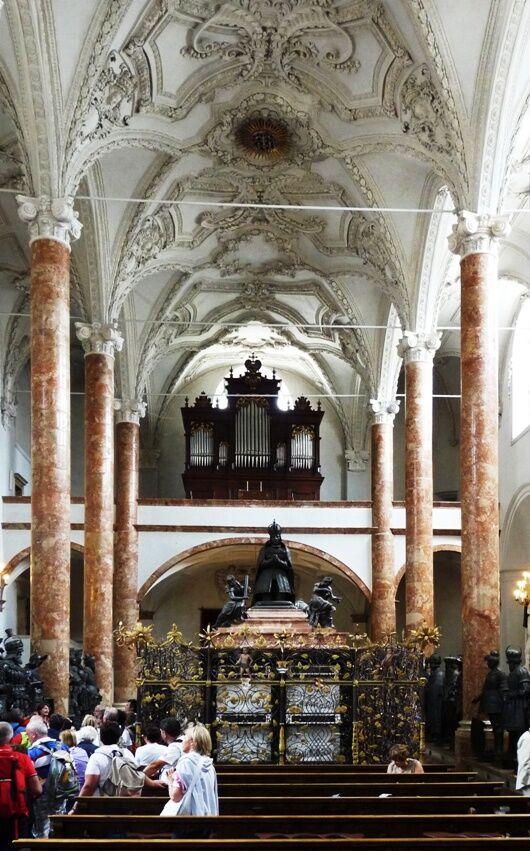 Hofkirche-int