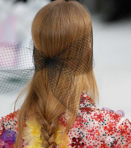 6b78216d1d9 S příchodem dlouho očekávaného jara jsme odložily čepice a konečně  vysvobodily své vlasy. Ta úleva. Zase můžou volně poletovat ve větru... ale  pozor