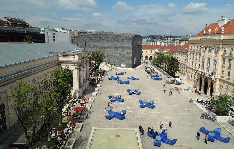 Nádvoří Muzejní čtvrti ve Vídni